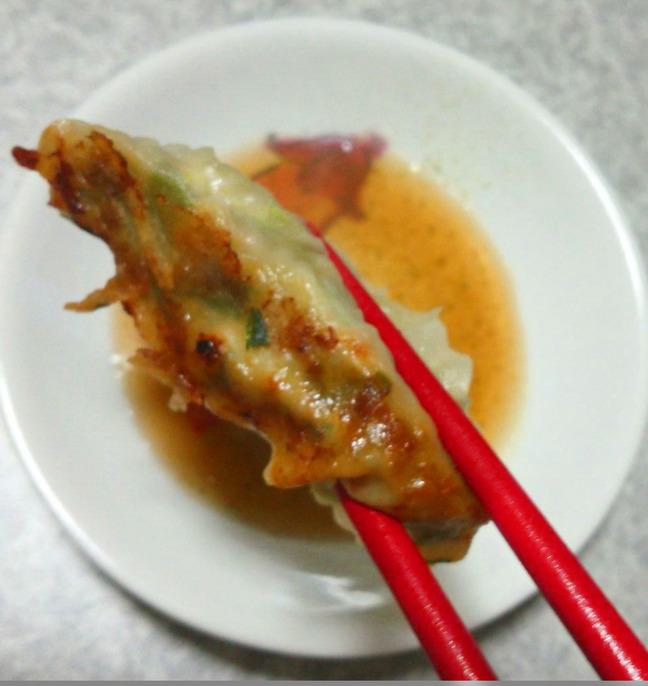 餃子箸上げ_01