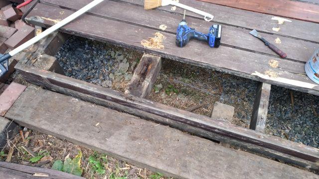 ウッドデッキの解体作業