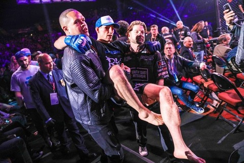 Rory-MacDonald-Bellator-192-Carried-Mike-Van-Gorder