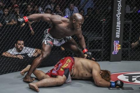 alain-ngalani-flattens-hideki-sekine-with-11-second-knockout
