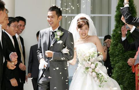 もう失敗しない!再婚の結婚式でも祝福される3つのヒケツ_525_3401