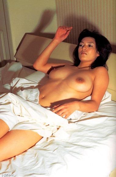 女優025