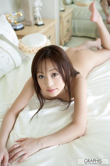 女優010