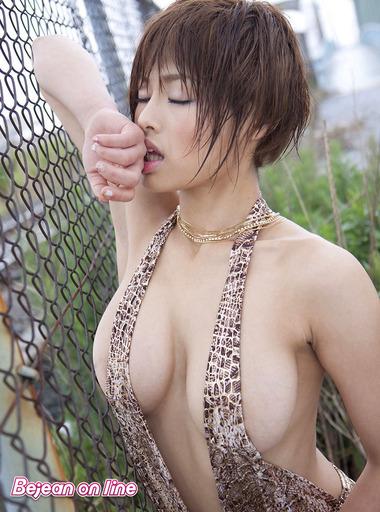 女優042
