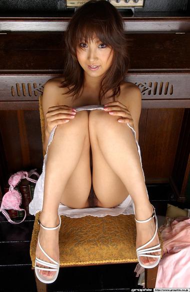 女優011