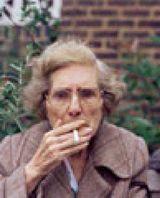 喫煙おばあさん