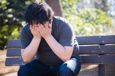 【悲報】ワイ確実に結婚できない男、将来が不安で寂しくて咽び泣く・・・・