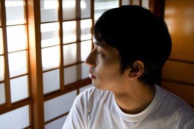 26NJ_washitukarasotowomirudansei_TP_V1