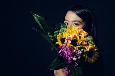 風zk嬢「カッコつけて、花束をプレゼントしてくる男がいるんですよ~」 ←これwwwwww
