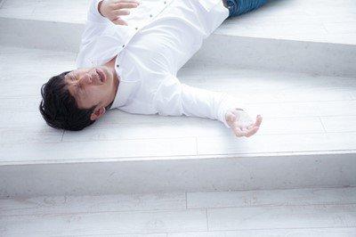 【悲報】ワイニート、久しぶりに働くも無能すぎて無事死亡・・・・