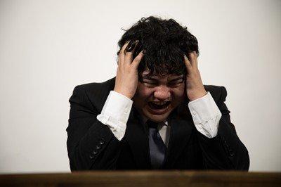 【悲報】新卒ワイ、来年から働く職場の基本給がめちゃくちゃ低いことに今更気付く・・・