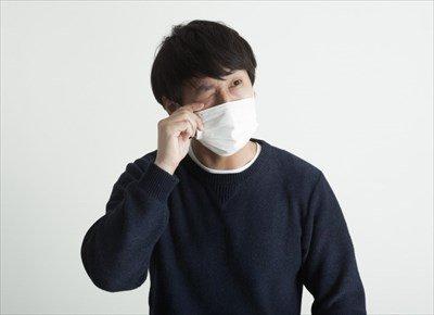 【悲報】外国人「なんで日本人はみんな白いマスク付けてるの?wwwwww」