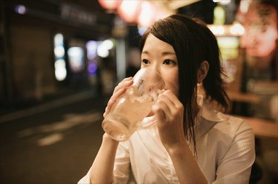 同級生と飲み会ワイ(26)「…」