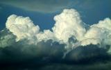 23----雨雲の上の積乱雲