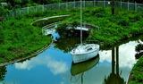 19----廃墟に浮かぶヨット