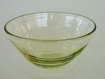 萌黄筋目楕円中鉢