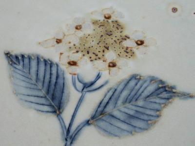 紫陽花文平皿アップ