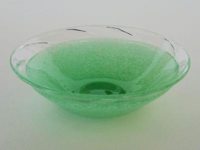 萌黄泡波縁深皿