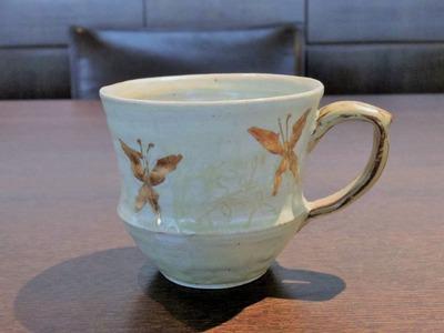 灰釉金彩刷毛目マグgolden butterfly¥6,480
