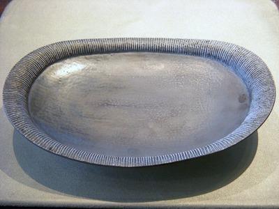 線刻楕円皿