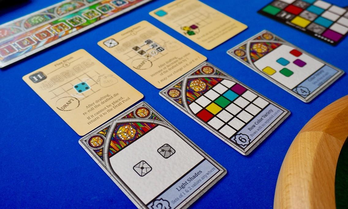 ゲーム紹介『サグラダ(Sagrada)』:「公開目標カード」と「道具カード」