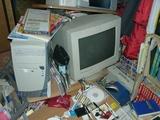 パソコンラックが倒壊