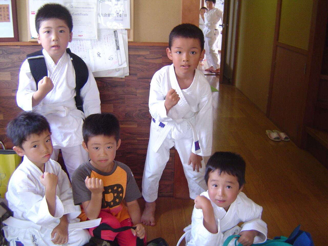 https://livedoor.blogimg.jp/ikouyou_1204/imgs/8/3/8332e9d9.jpg