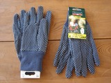 gloves_dropB