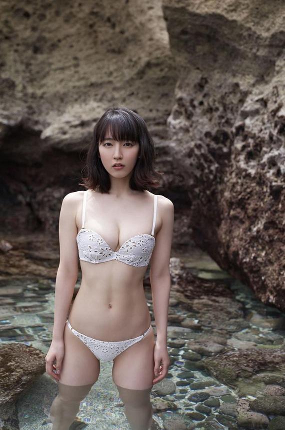 yoshioka-riho2-1