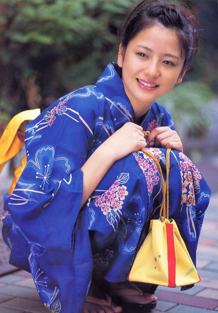 日本の「10代でヌードになっていた女性 ...