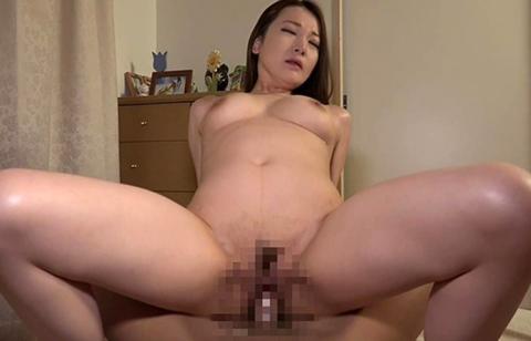 熟女夜這いボクの部屋寝ているでエロい体をした叔母の巨尻にち〇ぽを擦り付けてそのまま止まらず欲情セックス