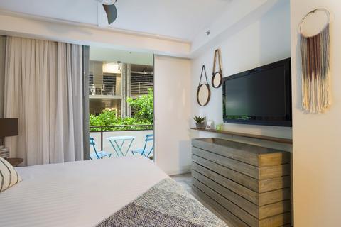The_Surfjack_Guest_Bedroom