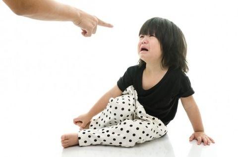 【ロミオ】元夫は娘に「虐待」という言葉を教え結果娘は気に入らない事があると「虐待!」と泣き叫ぶようになった