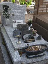 grave002