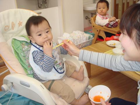 0歳4月食事
