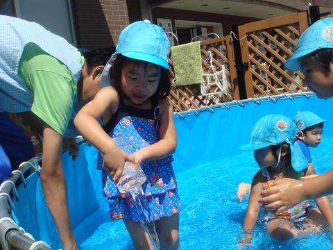 8月水遊びうさぎ1
