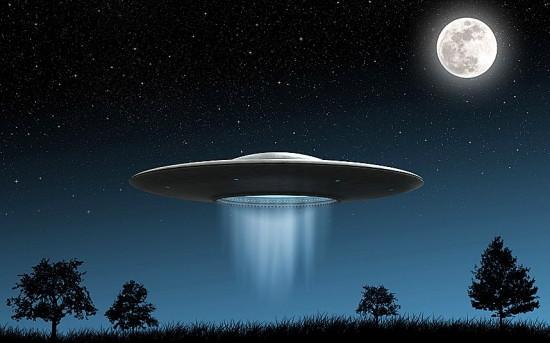 彡゚゚あれは…UFO…?!