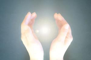 手と光07