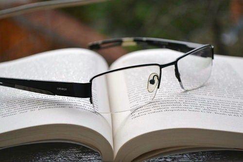 glasses-850195_640