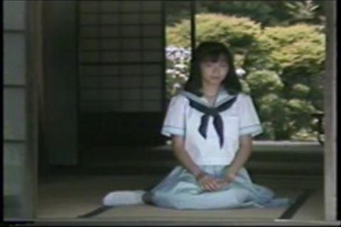 【fc2】爽やかな制服を脱ぎ捨てて美乳を披露永井麻里子