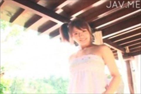 【イメージビデオ】ハーフ美少女がベットで誘うように服を脱ぎ始める擬似セックスがAVより抜ける過激イメージビデオ