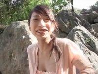 【xvideos】持田◯織に似ている気の強そうなグラビアアイドルのちょっとエッチなイメージビデオの着エロ動画
