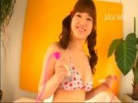 【xvideos】ムチムチ巨乳お姉さんの乳首がギリギリ見えそうな着エロ動画な過激イメージビデオw
