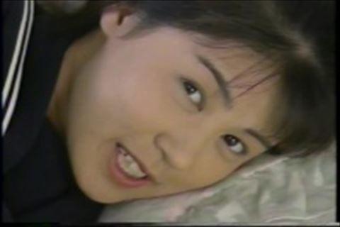【fc2】美少女が制服を少しずつ脱いでいくイメージビデオ織田奈緒美