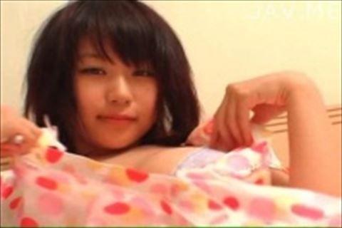【西田麻衣】健康的なむっちり巨乳コスプレメガネちゃんが上目遣いで誘惑してくるイメージビデオ