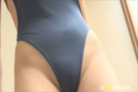 【水着】ハーフ系美少女のエロ過ぎる水着姿を至近距離で撮影するイメージビデオw巨乳おっぱいで棒を挟むエロさw