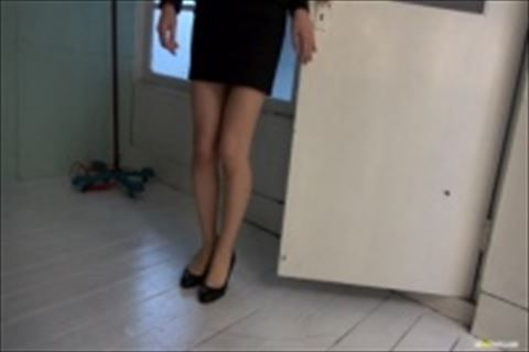 【コスプレ】デニムスカートジーンズとTバックwOLコスプレでタイトスカートに萌える着エロムービーなイメージビデオw