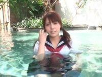 【】ハーフ系美人娘のエロい制服水着姿を拝めるイメージビデオwこんなエロかわいい子が存在する事に感謝w