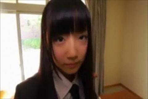 【イメージビデオ】前髪パッツンの童顔娘が教室でこっそりバレないようにパンチラ見せてくれちゃう萌系のイメージビデオw