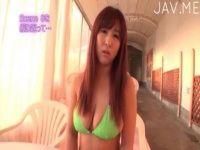 【xvideos】青井鈴音Hカップ22歳の巨乳娘がおっぱい揺らしながらインタビューするイメージビデオ